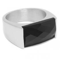 Anillo con cristal facetado rectangular negro de acero quirúrgico